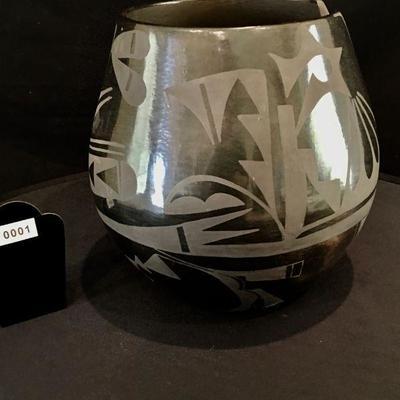 San Ildefonso Pueblo large Black on Black pot, Circa 1980-1990 signed by Carmelita Dunlap 1925 - 1999