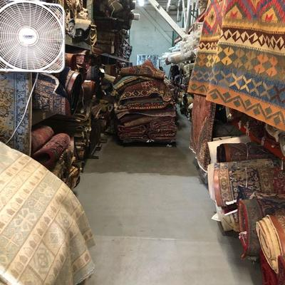Persian & Oriental  Rugs Kilims on different sizes and designs,  Made with 100% natural wool and Cotton, vegetable dyed and hand knotted .