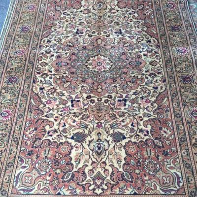 Fine quality,  Turkish Hand Knotted Vintage Rugs, 6' X 9'                          on Perfect Conditions  Retail Price= $4900 Below our...