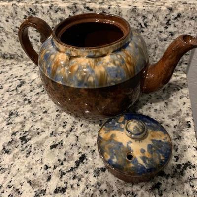 Beautiful vintage tea pot.