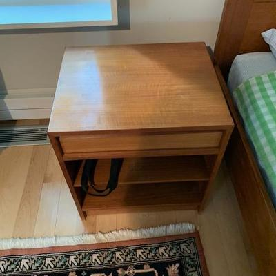 HofD Side Table/Night Stand 16
