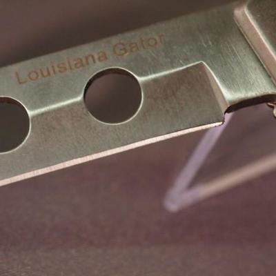 Folding Louisiana Gator knife 20