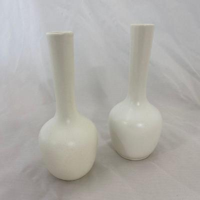 .11. Creme Pottery Lot of 6