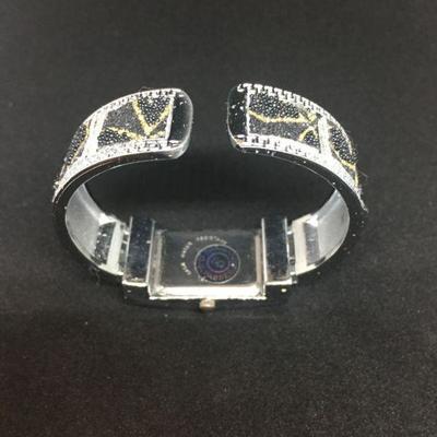 BRSDK Womans Cuff Wrist Watch