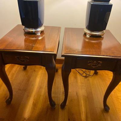 105: Pair of Queen Anne Style End Tables