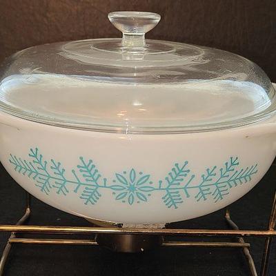 K51: Pyrex Frost Garland Casserole w/lid and Tealight Warmer Trivet #023