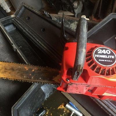 YS 12: Chainsaw w/Case 240 Homelite