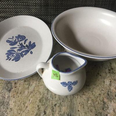 K6: Pfaltzgraff platter, wash bowl, and creamer