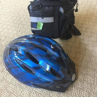 G9: Bicycle helmet and bike storage bag