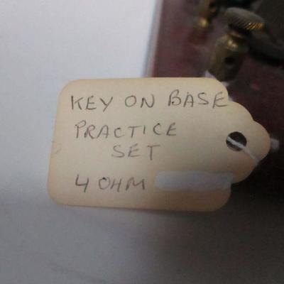 Lot 8 - Key On Base 4 OHMS - Practice set