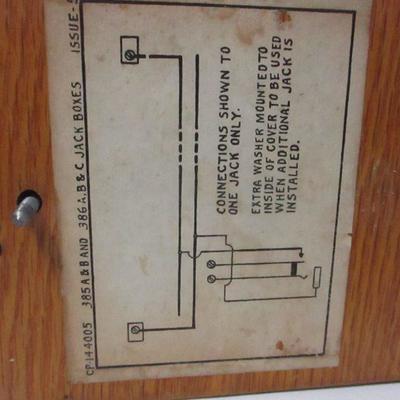 Lot 16 - 385 B Telephone Cordless Jack Box
