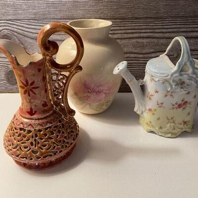 RB11: Collection of Vases