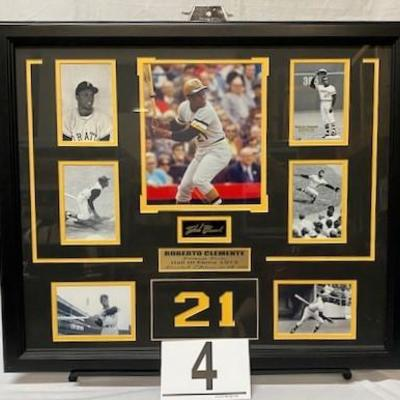LOT#A4: Autographed Roberto Clemente Limited Edition Montage #21 of 500