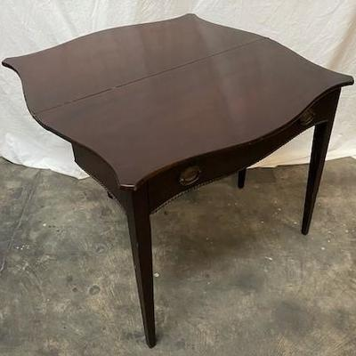 LOT#G14: Possibly Antique Gate Leg Table
