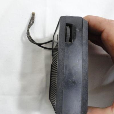 Lot 274 Vintage  GE AM Portable Radio