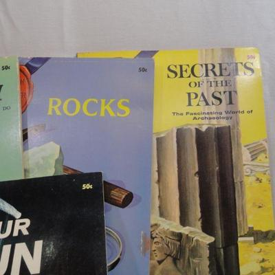 lot 293 Question and Answer Adventure Books Vintage