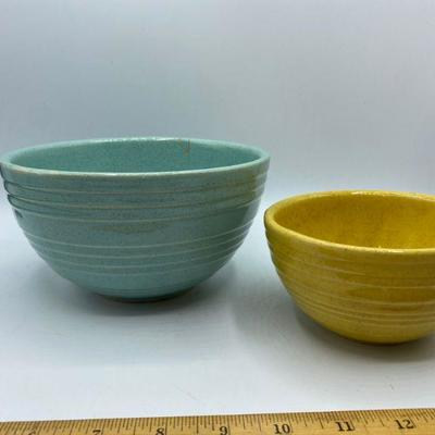 Pair of McCoy Speckled Beehive Rings Mixing Bowls