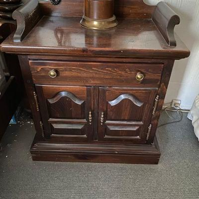 Ethan Allen Old Tavern Night Stand Side Table Pair