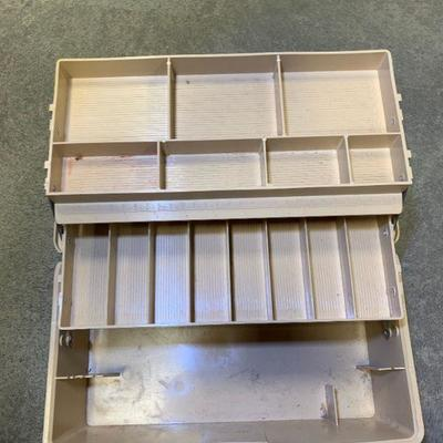 #79 Vintage Woodstream Tackle Box