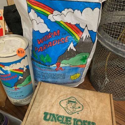 #23 Worm Paradise (worm food) & Pork Rind Bait