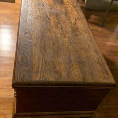16. Lane Wood Hope Chest, Cedar Lined