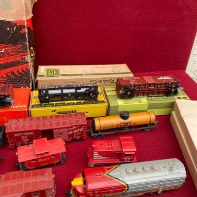 Huge Tyco Ho train Lot