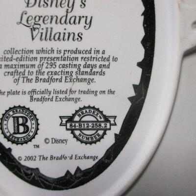Lot 19 - Disney's Legendary Villains Plate