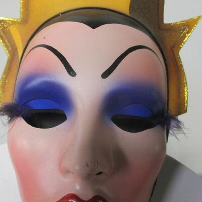 Lot 22 - Disney Villains Masks