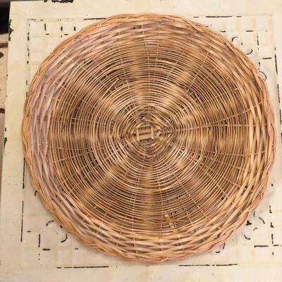 Lot 17 4 Tiles & Plate Baskets