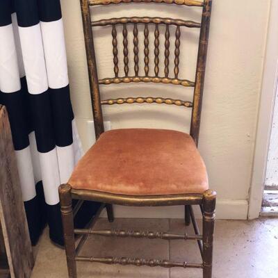 Lot 20 Vintage Spindle Back Chair
