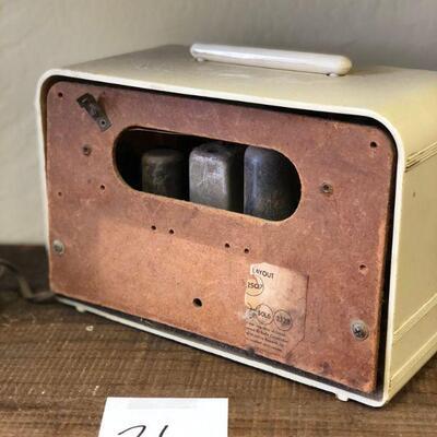 Lot 26 Vintage Packard Bell Radio
