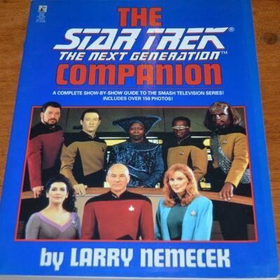 Lot#1    Star Trek Official Fanclub lot