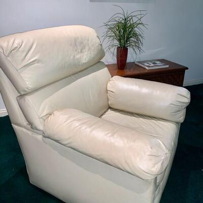 AEC 42  OFF WHITE LEATHER ARMCHAIR W/OTTOMAN