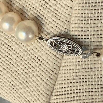 IB 106  CHOKER NECKLACE BAROQUE PEARLS 14K CLASP