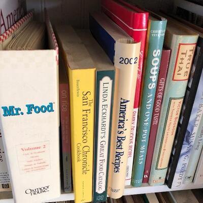 Vintage cookbook a lot, back dining room, lol#1