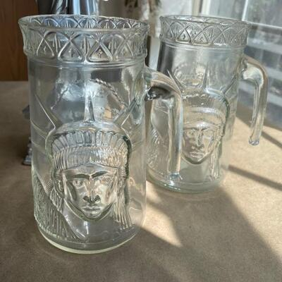 Statue of Liberty lot beer mugs and statue