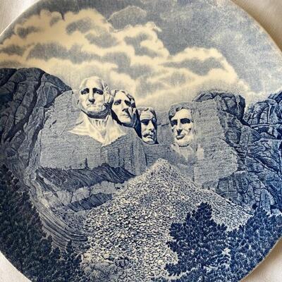 Mount Rushmore. Transferware plate