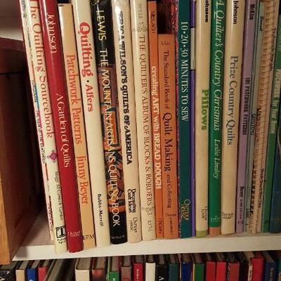 Lot of Patchwork & Quiltmaking Books Shelf 17b