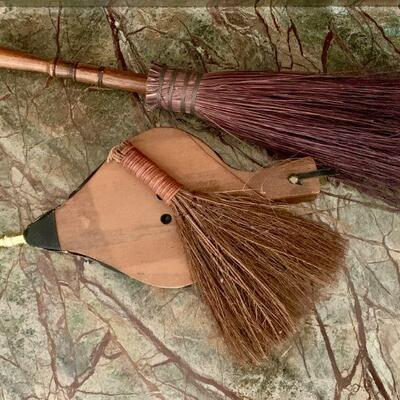 PT3#18  FIREPLACE ACCESSORIES BROOMS & BELLOWS