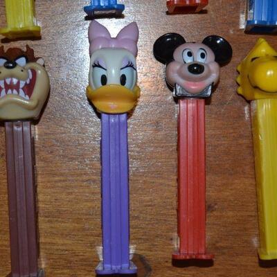 Lot#11 Eight Vintage Disney/Warner Bros Pez