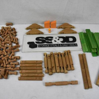 121 pc Lincoln Logs Toys