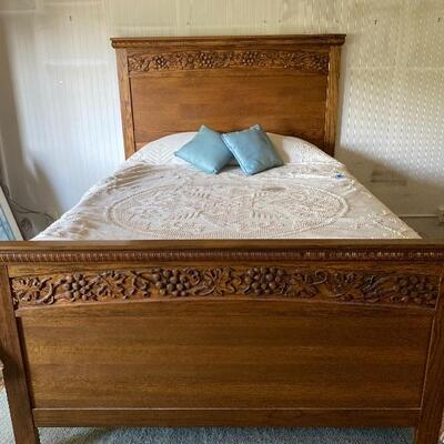 Carved Oak Queen Size Bed