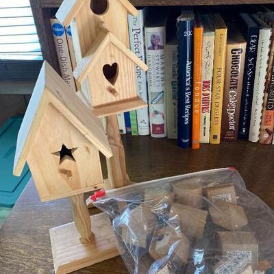 Birdhouse craft lot