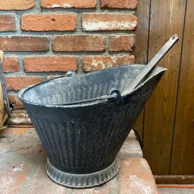 Fireplace Ash & Coal Bucket