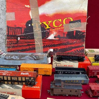 Huge Tyco Ho train Lot