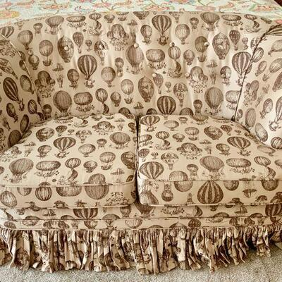 LOT 10 VINTAGE LOVESEAT COTTAGE STYLE HOT AIR BALLOON UPHOLSTERY FABRIC