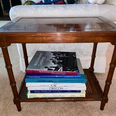 LOT 10 END TABLE