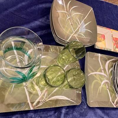 Amazing Palm Tree Pattern REUSABLE PLASTIC SET as Shown : $48