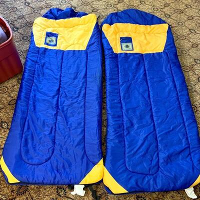 $84 set of (2) NorthWest Territory Sleeping Bags-  Twin Size Zippered Sleeping Bags w Pillow Rests/ Foldup w Drawer String for easy carry!