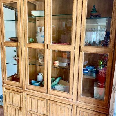 LOT 19  VINTAGE DREXEL CHINA CABINET 4 GLASS DOORS 4 SOLID DOORS BOTTOM